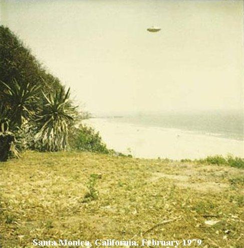 Секретные фотографии НЛО 1975-1979 (14 фото)