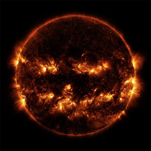 Солнце в виде тыквы из хэллоуина